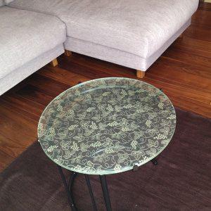 積水ハウス新築住宅のインテリアとして絹ガラステーブル