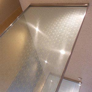 絹ガラス Silk Glass 杢目のガラスパーテーション