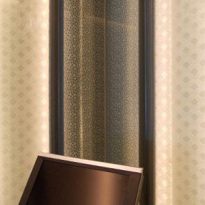 光壁の絹ガラス