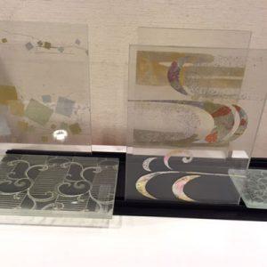 伊と幸伝統工芸士による金彩絹ガラス