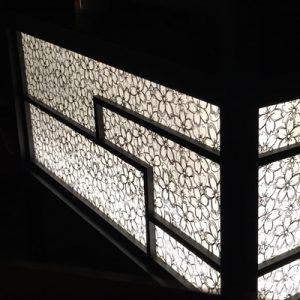 絹シートが映えるシルクアートテーブルの 立礼台