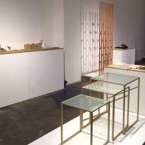 伊と幸シルクガラスのネストテーブル