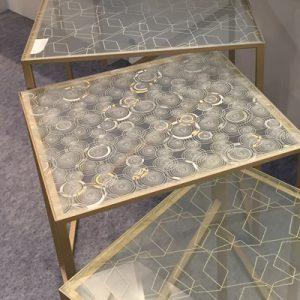 伊と幸 金彩 シルクガラス ネストテーブル