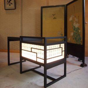 京都府知事室にて絹シェードの立礼テーブル