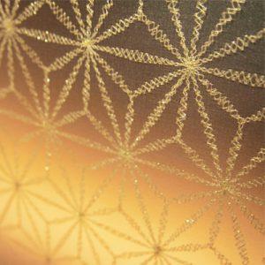 麻の葉刺繍の絹ガラスで光カウンター