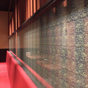 杢目刺繍の絹布ファブリックガラス
