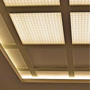 光天井の絹障子がホテルの大宴会場へ