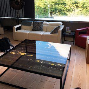 大判ローテーブルに金彩切箔をふんだんにあしらった絹ガラス天板