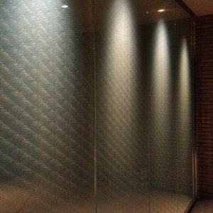 絹ガラス遠波ガラスパーテーション