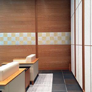 国立京都国際会館へプラチナ箔の源氏香