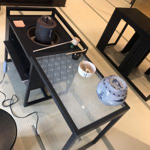 伊と幸の絹ガラス製ティーテーブルの立礼卓