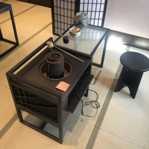 伊と幸製立礼式の立礼卓として使用可能なティーテーブル