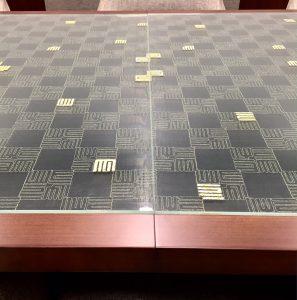 京都経済センター応接室テーブル天板