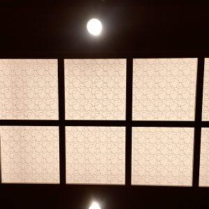 京阪サウザンドホテル大宴会場の光天井に伊と幸の絹障子