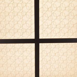 京阪サウザンドホテル大宴会場の光天井に伊と幸の永遠の石柄の絹障子