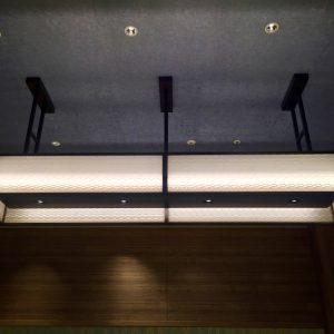 氷割れ紋様の絹障子の照明をご採用の京阪ホテル様