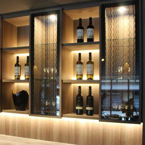 ホテルグランバッハ京都御池セレクトの吊戸棚絹ガラス