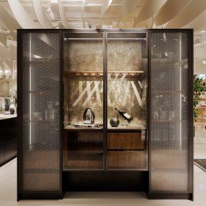オーダーキッチンの面材に、麻の葉銀糸の絹ガラスをご採用頂きました